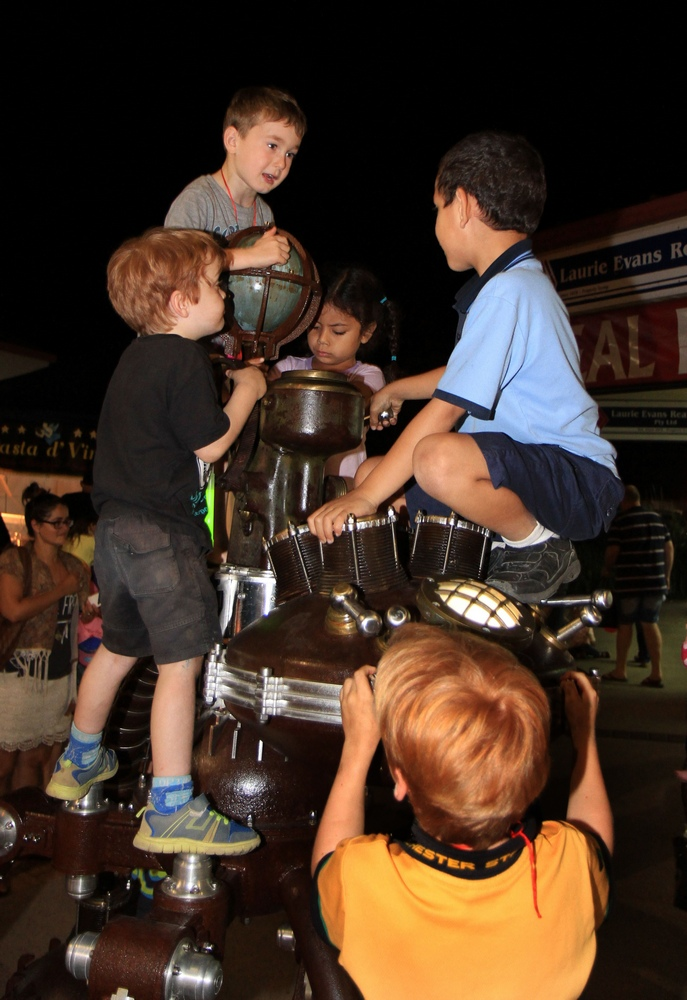 Kids on the Street Sculpure Beerwah 2014