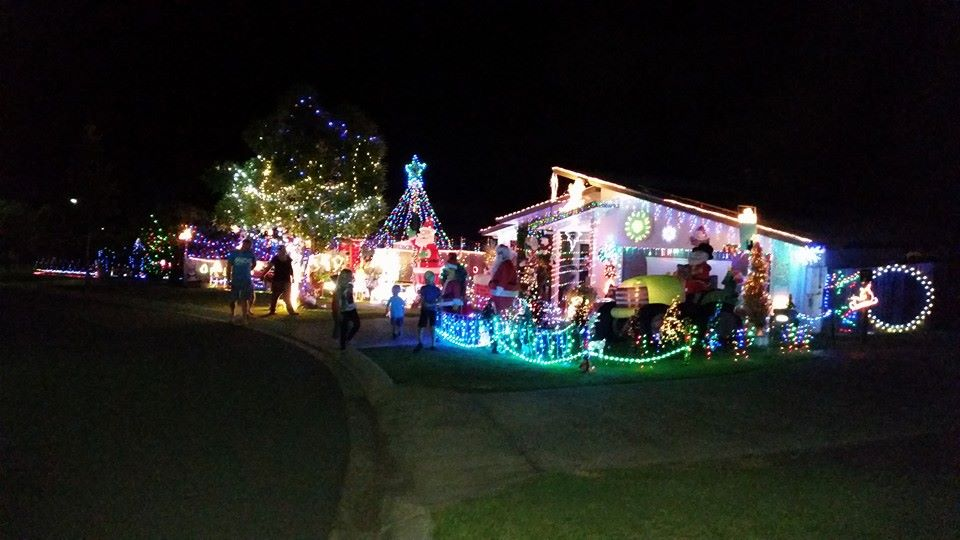 Christmas Lights Pacific Place Woodgrove Beewah Heights Estate submitted by Danielle Gibbons 2014