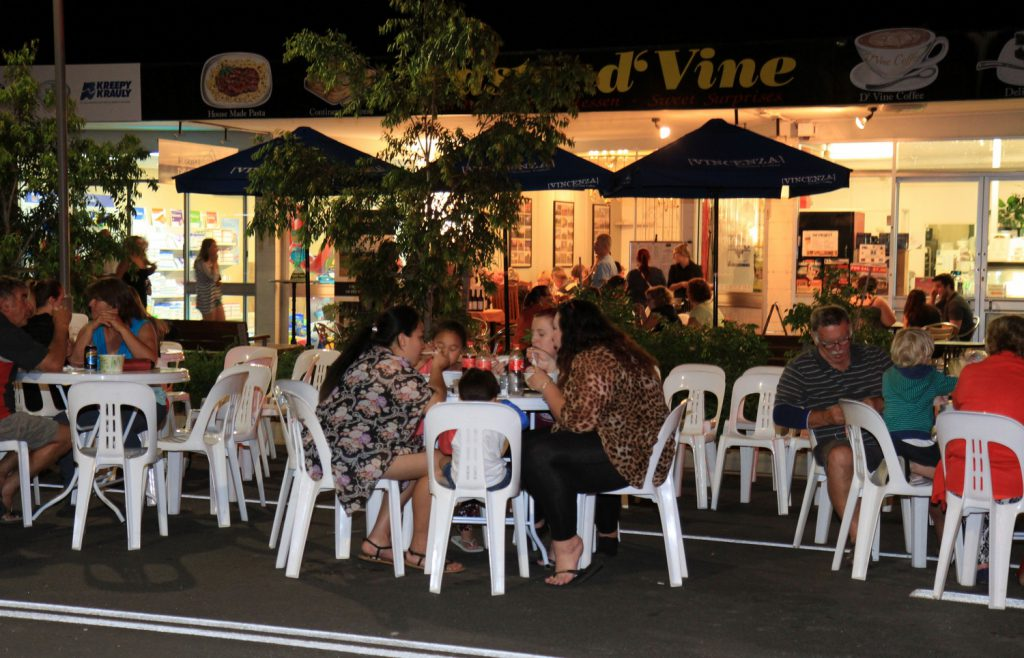 Street Diners ourside Pasta DVine Beerwah Street Celebration 17 Oct 2014