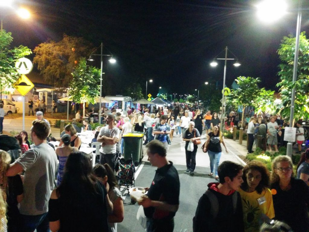 Crowds Beerwah Street Party 2015